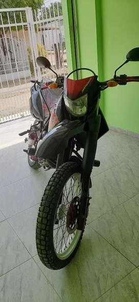 Se vende motocicleta XTZ 250