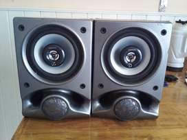 Parlantes Kenwood triaxiales 150W 4 Ohms