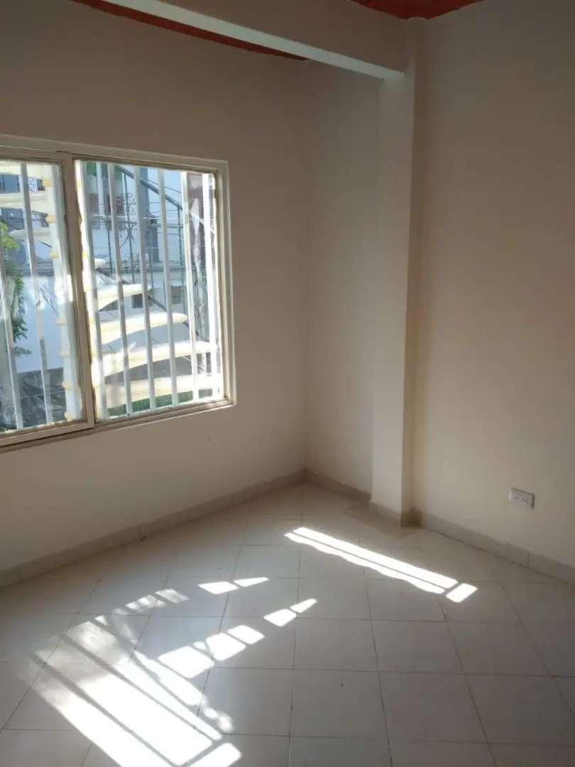 Apartamento Salomia, cerca SENA, CC Único, CC La Estación, Las Delicias, Los Andes, Manzanares, La Esmeralda, La Alianza 0