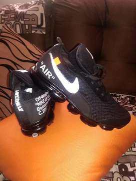 Hermosas Zapatillas Número 40