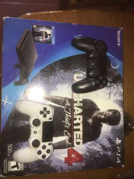 Play Station 4 + 2 controles