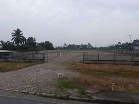 campamento de 20.000 metros cuadrados todo compactado con lastre tiene cerramiento de bloque , tiene luz, agua potable