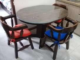 Juego de Comedor con Vidrio y 4 sillas