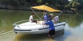 Vendo o cambio lindo bote para 8 personas
