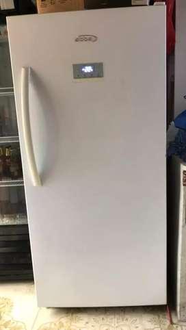 Congelador vertical Marca Abba