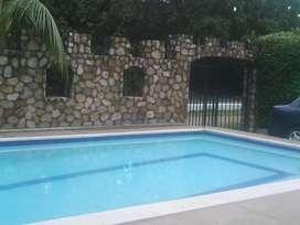 Alquilo casa en Melgar con piscina privada