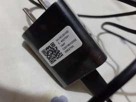 Cargador más  cable Motorola Turbo Charger.