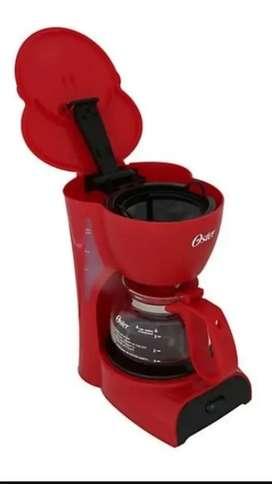Cafetera oster roja para  4 tazas
