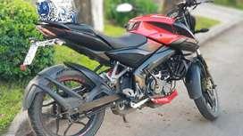 Vendo urgente Moto bajaj  excelente estado escucho ofertas