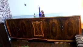 Mueble de madera italiana