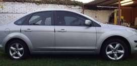 Dueño vende Ford Focus 2.0 L Trend 4Ptas. GNC 5ta.  Excelente Estado