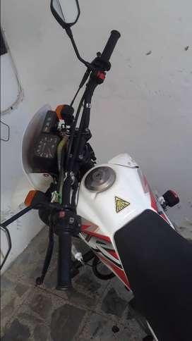 Vendo moto XLR125