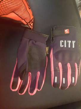 Vendo rodilleras y guantes para dama completamente nuevos