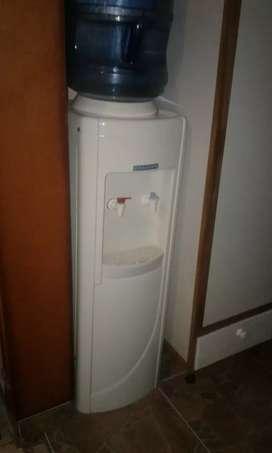 Dispenser  de agua frio calor