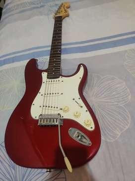 Guitarra Squier Fender Stratocaster Standard Made in indonesia