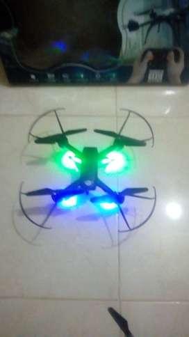 Dron de juguete como nuevo