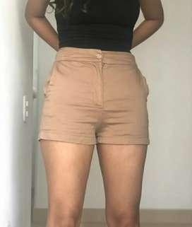 Short a la moda como nuevo