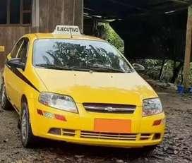 Se solicita carro con conductor para empresa de taxi Ejecutivo