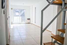 Duplex en Alquiler dos Dormitorios con Cochera