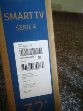 Caja de TV LED VACIA COMPLETA MUDANZA