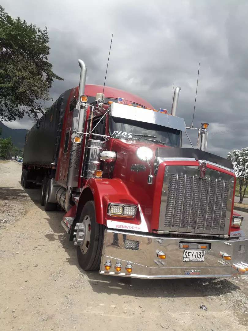 Tractomula kenworth Aerocab 2006 full estado 0