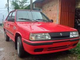 Se vende Renault 9 papeles al día precio negociable