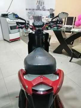 Vendo moto automática Agility