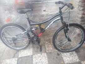 Vendó bicicleta todoterreno GW rin 26 en buen estado