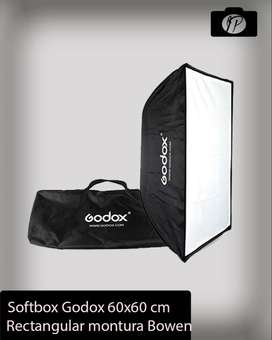 Softbox Godox de 60x60cm Montura Bowens con Grid