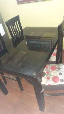 Remato mueble 8 piezas y juego de comedor 4 sillas