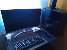 PC GAMER + MOUSE Y TECLADO
