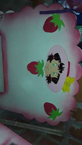 Cama fresita de 1 mtro full pintura sin tablas maneja 3 cajones incorporados en lateral de la cama