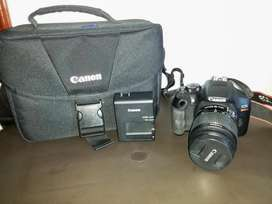 Canon EOS Rebel T6  Bolso Canon  Memoria SD 8 GB Perfecto Estado