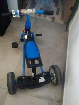 """Vendo triciclo """"Lomborghini'"""