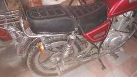 Vendo motocicleta suzuki gn125