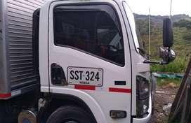 Camion NQR 2013