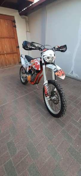 Moto KTM 350 freeride