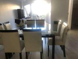Mesa cuadrada  con 8 sillas