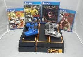 Playstation 4 de segunda  Edición Limitada  Black Ops 3 / Con 2 mandos + 4 juegos.