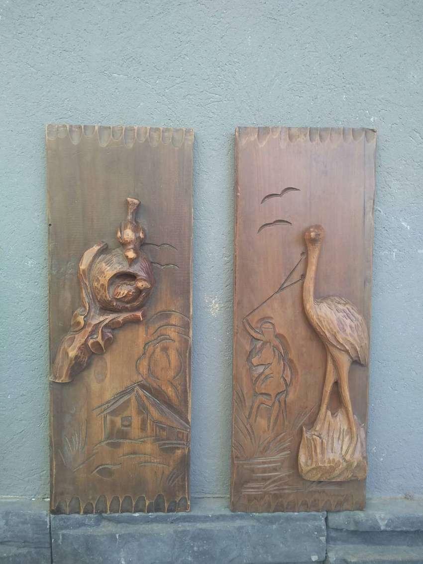 2 cuadros de madera, tallada, estilo gauchesco 0