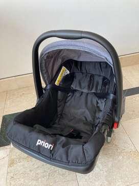 Silla paseador para carro marca Priori