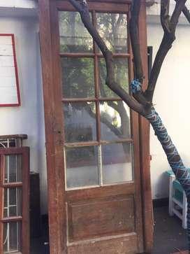 Puerta de madera marco pinotea