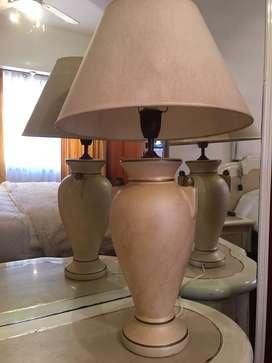 LAMPARA de MESA RUSTICA VASIJA de CERAMICA (posee fina lines de rajadura)
