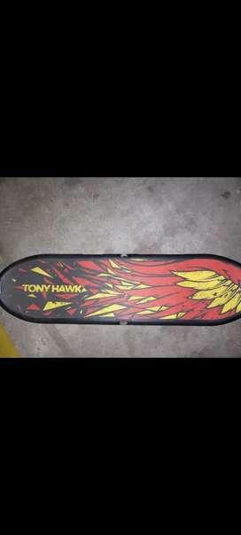Vendo Patineta skate edición limitada Tony Hawk para Nintendo Wii (PRECIO TOTALMENTE NEGOCIABLE)
