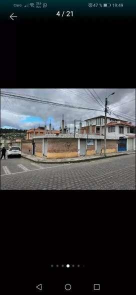 Venta de casa en la ciudad e Otavalo, en la ciudadde 31 de Octubre, calles Leopoldo Chávez y Ulpiano benitez