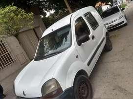 Renault cangoo con detalle anda solo ke golpea las valbula sr y no tengo el dinero para arreglar