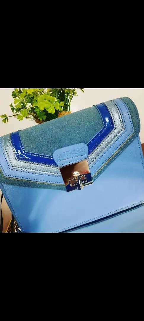 Carteras bolsos y billeteras 0