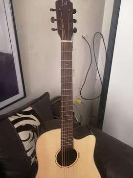 Guitarra electroacústica James Neligan