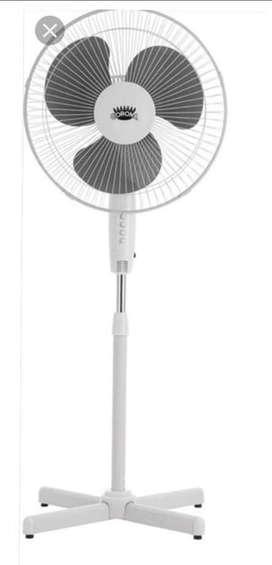 Se vende ventilador corona de pie