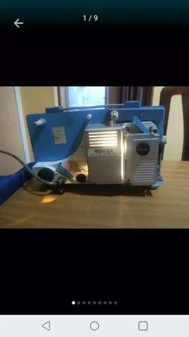 Antiguo proyector de peliculas de cinta